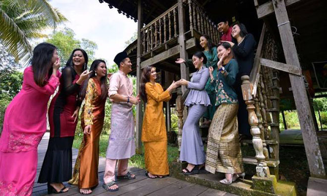 Keeping Raya traditions alive online
