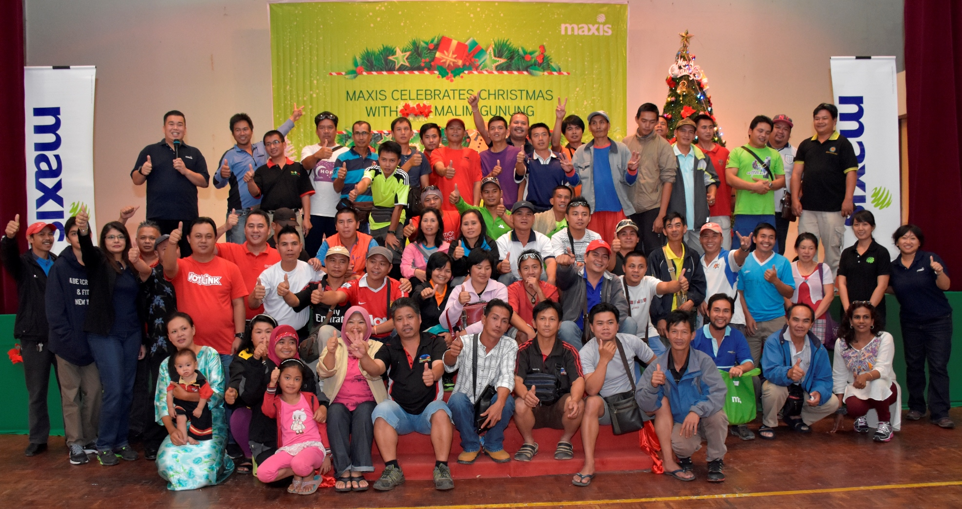 Over 100 members of the Mount Kinabalu Guides Association and their families gathered at Maxis' Christmas event held at Kinabalu Park, Kundasang