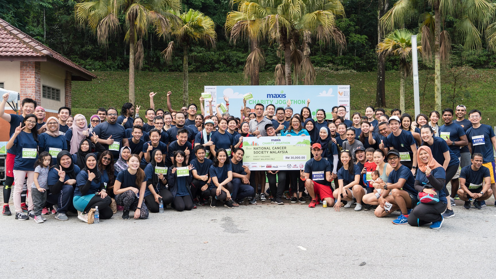 Maxis employees unite to raise RM30,000 for the National Cancer Society of Malaysia