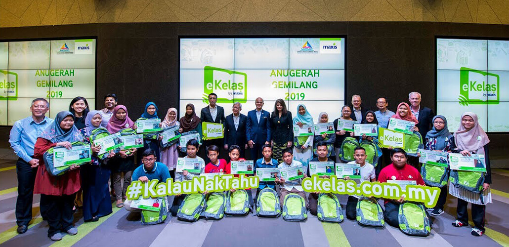 Anugerah Gemilang 2019: 25 eKelas students successfully awarded student grants