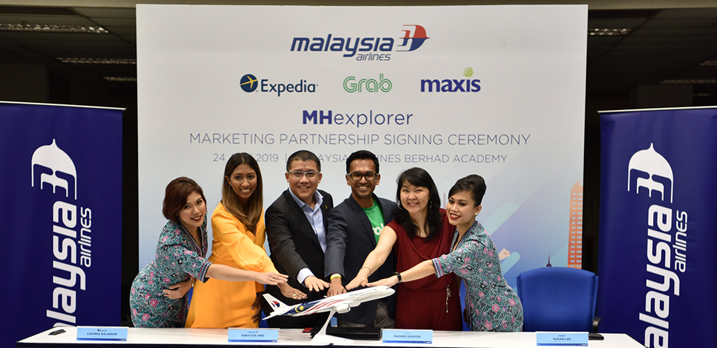 Maxis and Malaysia Airlines team up on a year-long collaboration to reward Maxis and Hotlink customers with more deals