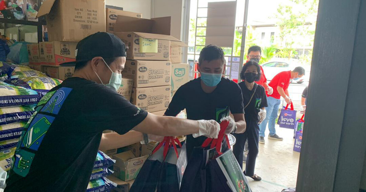 Maxis continues festive community outreach, contributes protective aid to Sarawakian families over Christmas